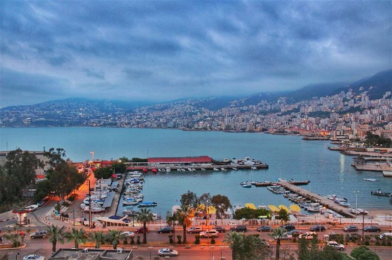 يا نجمي بحريي عم تتمرجح عالميي🛥 livelovebeirut  livelovebeauty  lebanon ... (Sarba Jounieh Lebanon)