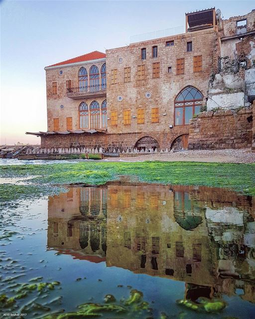 today  tyre  sour  mbarke  beach  old  traditional  lebanese  house ... (Tyre, Lebanon)