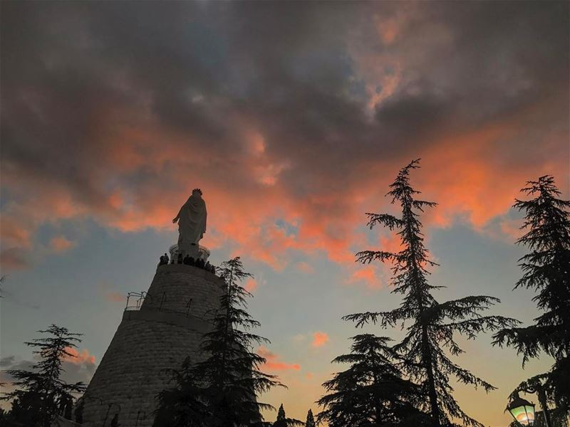 Good Sunday evening IGers🙏🌅 (Our Lady of Lebanon)