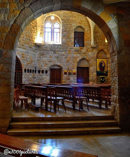 photography  nikon  lebanon  beirut  travel  discover  beautiful  amazing... (Deir-El Salib, Mont-Liban, Lebanon)