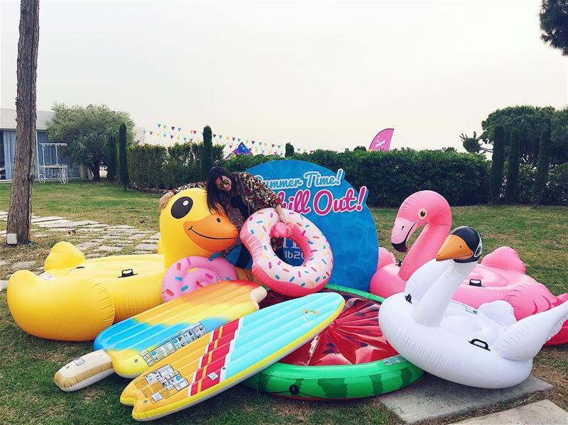 Trying to take all the floaties home🐤🍩🍭🍉.. intexlb  intexlb2017 ... (Nuit Blanche/Event Venue)