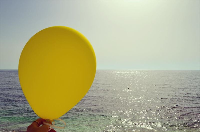 C A T C H. wheremyshoeslead. Balloons  June  Beach  Amchit ... (June Beach Resort)