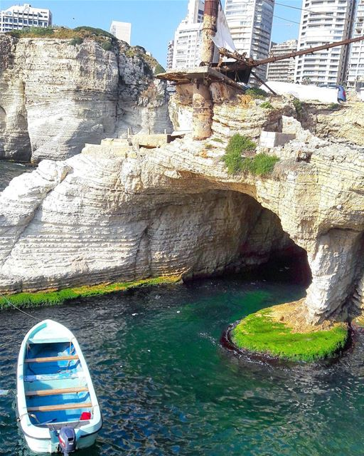Another perspective of El Raouché area Beirut  Beyrouth  Keepcalm ... (Raouche Rock)