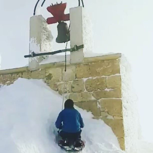 Ring the church bell, spread the good news! Happy Easter from peak2peaklb!... (Mzaar 2400m)
