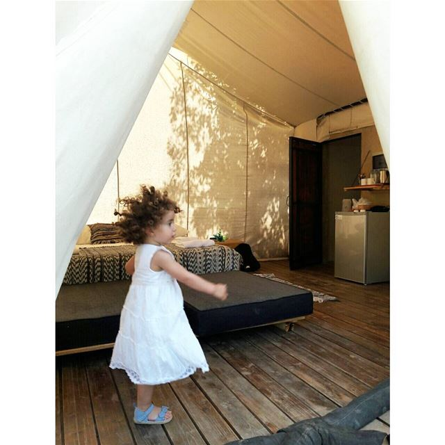 Wolff-dance in our tent  headbanger  daughter  glamping  camping  vaca ... (Blue Jay Valley)