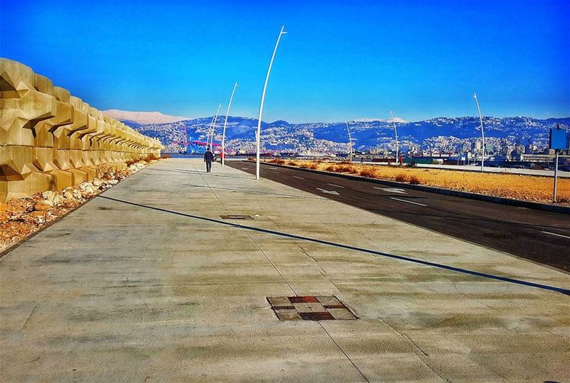 Water Front waterfront  sea  corniche  mountains  mountlebanon  blue  sky... (Water Front Biel)