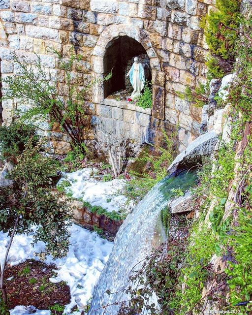 tb  jezzine  water  waterfall  river  snow  winter  mary  statue  ... (Jezzîne, Al Janub, Lebanon)