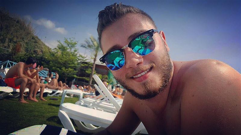 Current Mood 😎.. currentmood  tan  bearded  beard  stud  rayban  jbeil... (C FLOW Beach Resort)