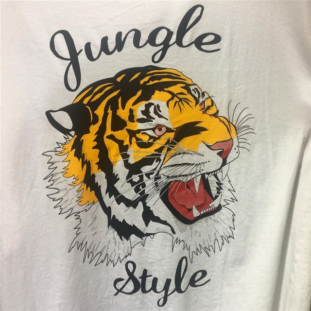 T-shirt design from SS17 🐯.... shopping  italian  boutique ... (El Mtaïleb, Mont-Liban, Lebanon)