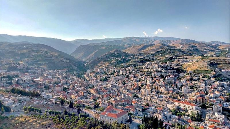 Start by exploring your own country so many breathtaking views 😍 ... (Saydet Zahleh)