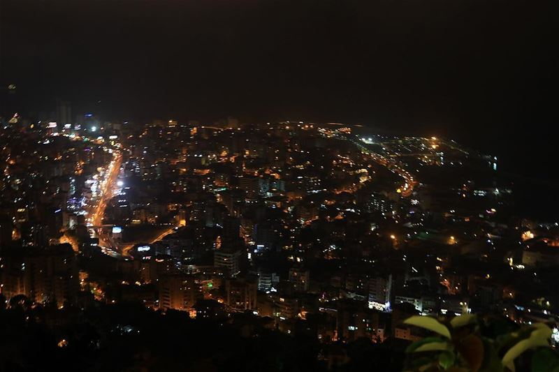 lights  road  jounieh  dark  views  jouniehbay  bestpicture  like4like ... (Jounieh, Liban)