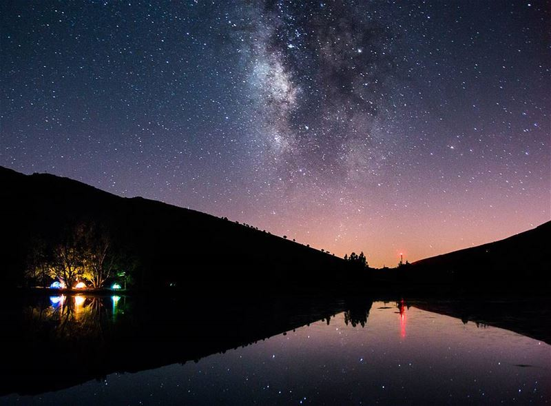 Out there u can catch the universe reflecting on itself🌌⛺🌍........ (3youn Orghosh)