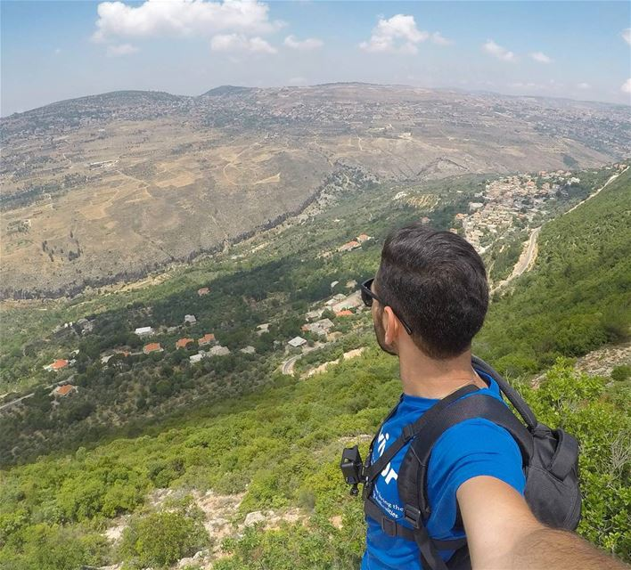 Get Lost In The View 🤳 (Baadarâne, Mont-Liban, Lebanon)