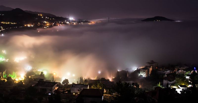 ☁✨.. photography  canon  nightphotography  lighting  foggy  fog ...