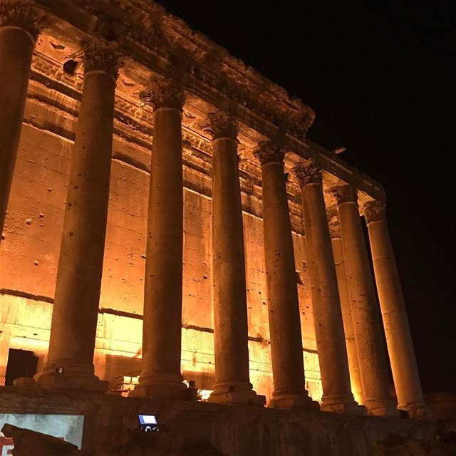 Good night 😍😍😍Proud to be Baalbaki ;) Proud to be Lebanese :)... (Temple of Bacchus)