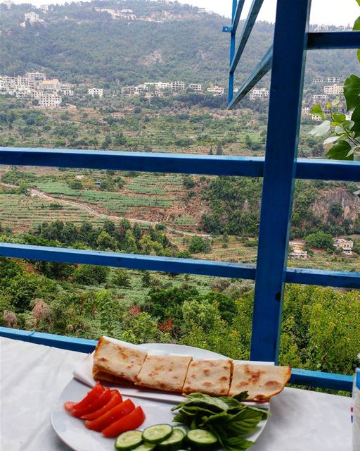 While eating our manooshe we scrutinized the fields naming each plantation... (Deir Doureet, Mont-Liban, Lebanon)