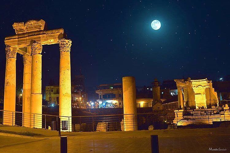 The ruins and the moon 😍😍😍 by @mztafa Proud to be Baalbaki ;) Proud to... (Baalbek , Roman Temple , Lebanon)