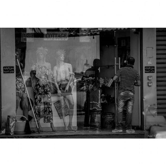 bnw  window  man  shop  blackandwhite  street  cleaning  door ...