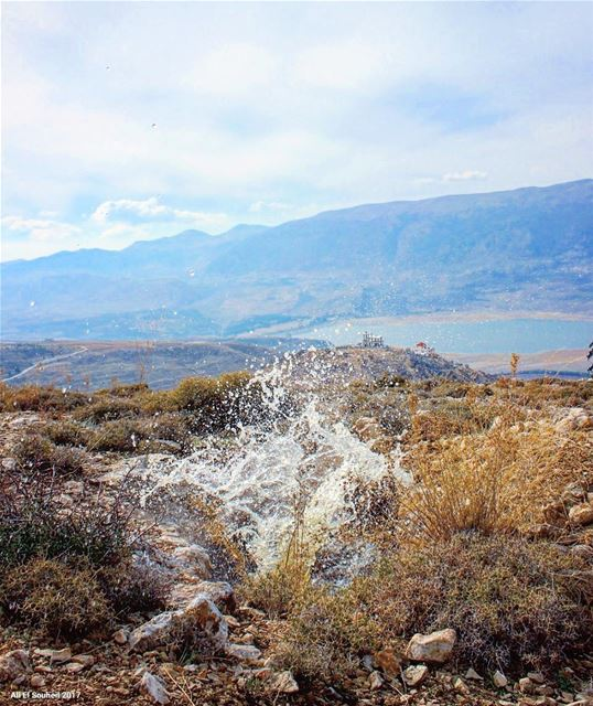 tb  karoun  lake  bekaa  valley  water  explosion  fun  hiking  lebanon ... (Lake Qaraoun)