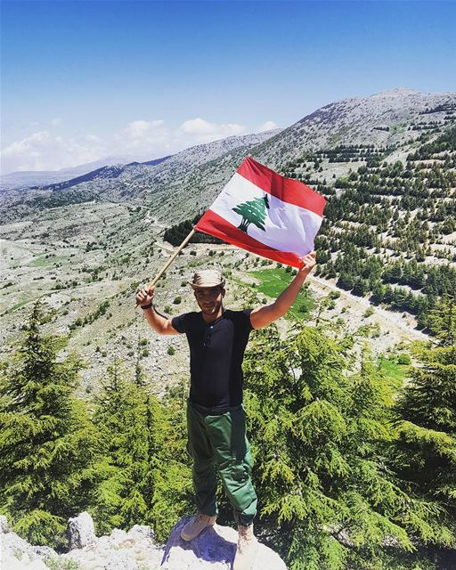 ............ ... mycountry  myflag   live  love  lebanon ... (محمية ارز الباروك)