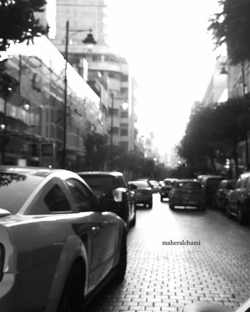 Hamra street ... 👣 . .black is the only color 🌚 . شارع_الحمرا  tag  ... (Hamra street , Beirut - شارع الحمرا ، بيروت)
