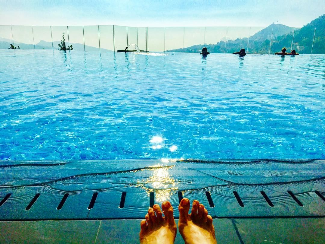 Pool toes are happy toes 👣*** lebanon  livelovelebanon  ehden ... (MIST Hotel & Spa By Warwick)