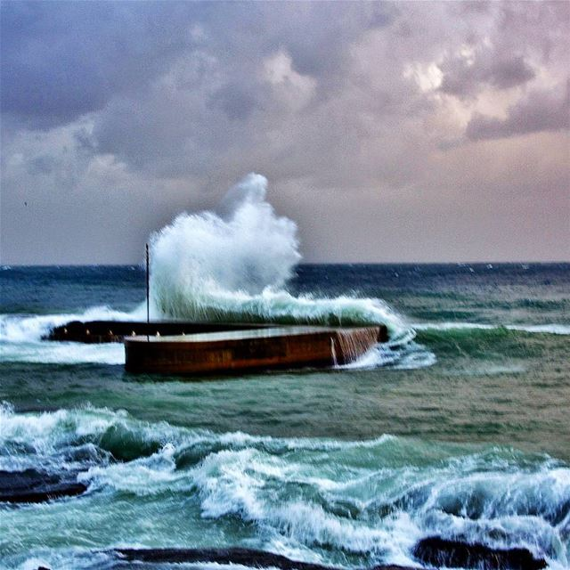 Storm, Raouche Manara,  beirut  sea  manara  storm  winter  waves ...