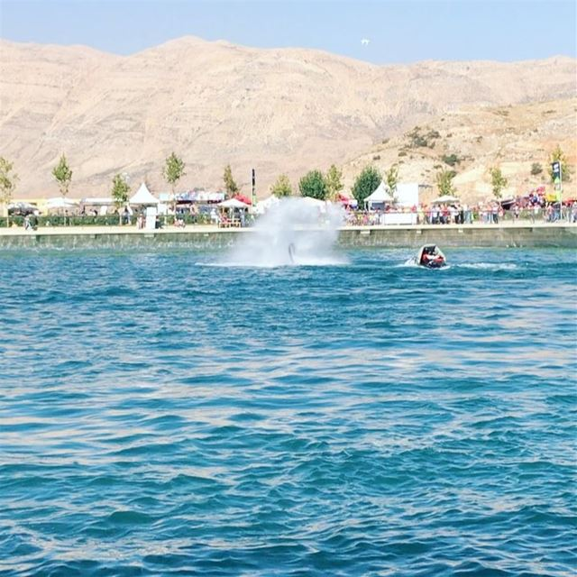 Fly like a Superman & Dive like a Dolphin 🐬  richardkarnaby  flyboard ...