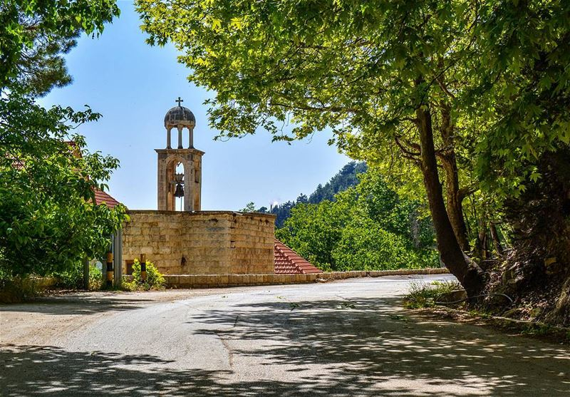 A beautiful church, Ehden Lebanon.  liveloveehden @liveloveehden ..🔸️🔷️ (Ehden, Lebanon)