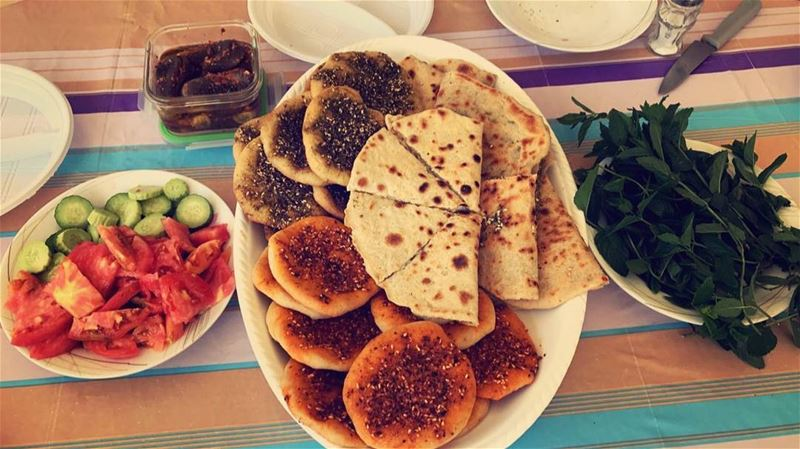 What is better than a lebanese breakfast 😍 Tag someone to share such a... (Chouf)