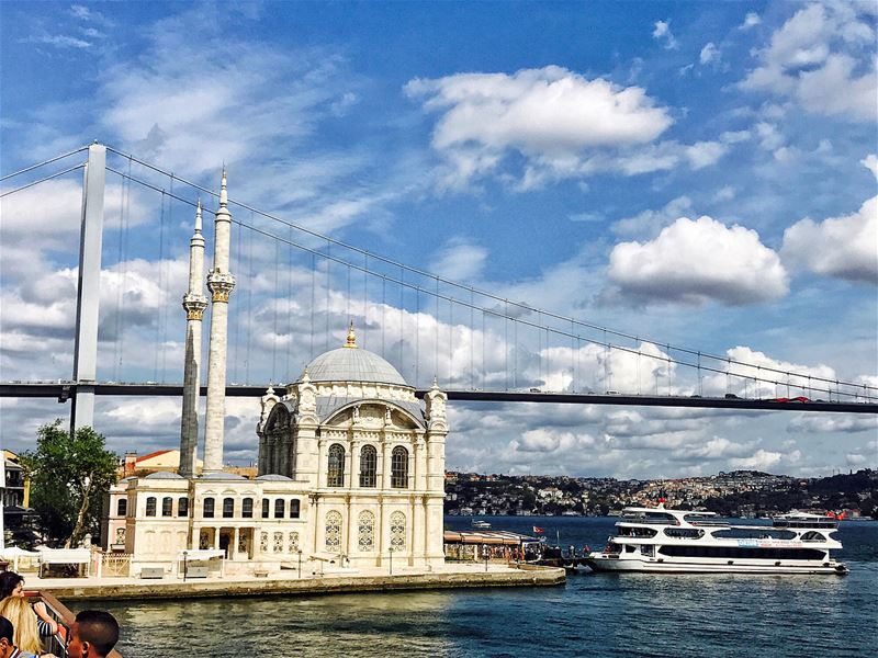 Between Europe and Asia.The Bosphorus tour was one of the most beautiful... (Bosphorus)