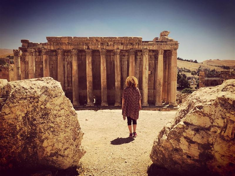 Walking towards my castle like i'm the mother of dragons  baalbeck  ruins ... (Baalbeck, Béqaa, Lebanon)