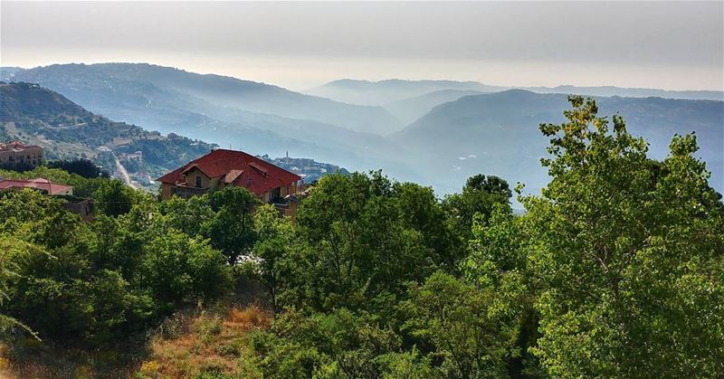 Morning Inspiration! Ghassan_Yammine  goodmorning  goodtimes  morningpost... (Sawfar, Mont-Liban, Lebanon)