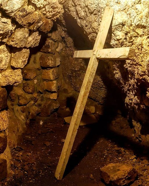 "🕇""We, who have resorted to caves and grottos in the era of injustice and... (Ouâdi Qannoûbîne, Liban-Nord, Lebanon)"