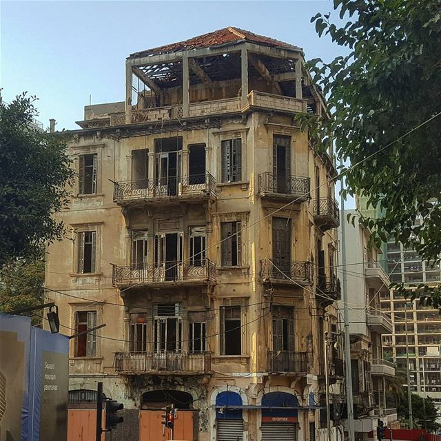 There are things that we can disregard..But they still exist..🏚🍃🏠🍃... (Beirut, Lebanon)