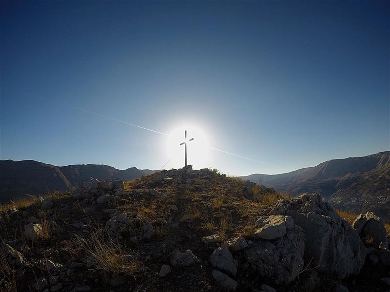 Nothing speaks more clearly of God's love than the cross of Jesus ❤️✞❤️  عي (Hadchît, Liban-Nord, Lebanon)
