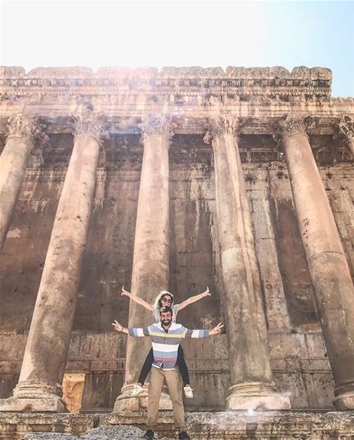 🏛🇱🇧 Welcome to my Roman temple ! by @sboghossian Baalbeck Temples... (Temple of Bacchus)