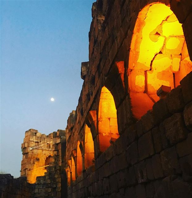 The Moon 🌙 Is Our Neighbor. baalbeck  cityofthesun  lebanon ... (Temple of Bacchus)
