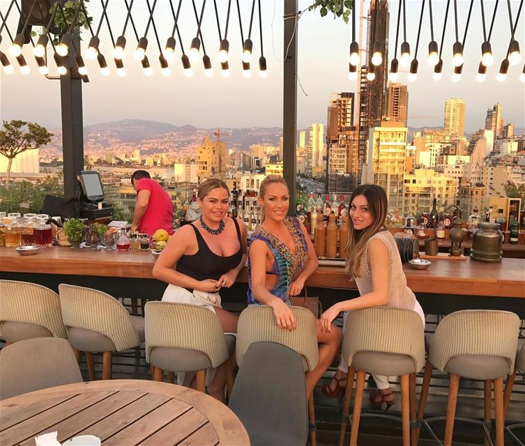 Sunsets in the city with the little cousin in town @rachybab & the... (Iris Beirut)