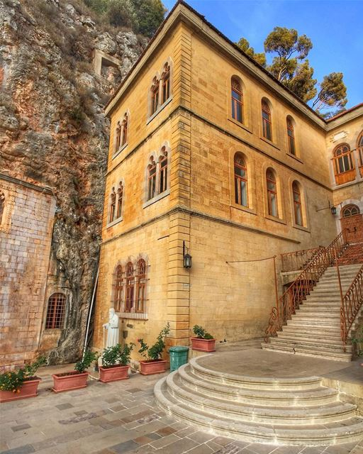 One of the beautiful destinations in our lovely Lebanon 🇱🇧, Monastery of... (Mar Antonios-Kozhaya)