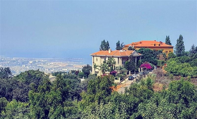 lebanon  beirut  livelovelebanon  bluesky  home  house  nature ... (Tilal Ain Saade 415)