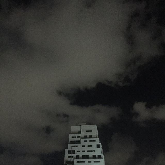 Good night 🌚 ....... picoftheday  photooftheday  sky  building ... (Mar mikheal)
