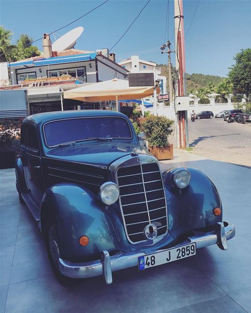 Magnified to everything vintage 🚙🎗🌱- ..... InspiredByYou... (Marmaris Selimiye)