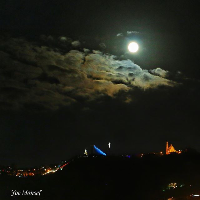 night  nightphotography  moon  moonlight  photography  harissa  lebanon ...
