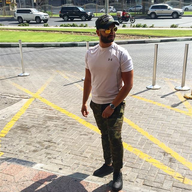 goodmorning  dubai  sundayvibes  armypants  oakleyglasses  underarmour ... (Dubai, United Arab Emirates)