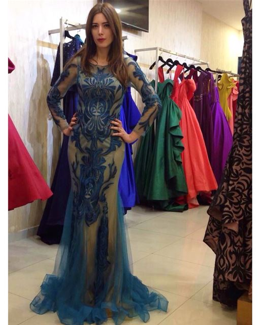 When you go to @fouadsarkiscouture and try on some beautiful  dresses 😍👌�