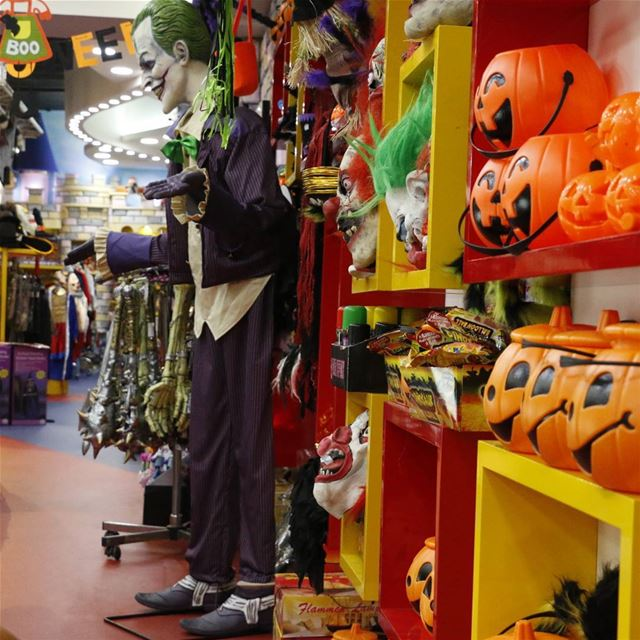 haloween is ahead. When the  pumpkins rush out and it is time for ... (The Characters Store)