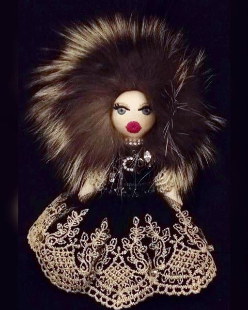 My  deedee  doll  deedeedoll is a beautiful  diva 😍 is more  fashionable...