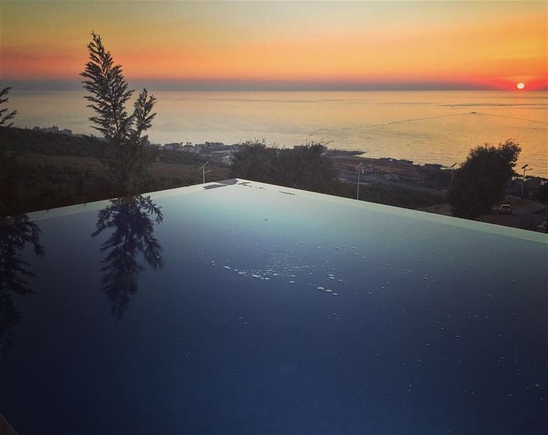 Magic hour 😍 lebanon  batroun  homesweethome  sunset  pool  reflection ... (Batroûn)