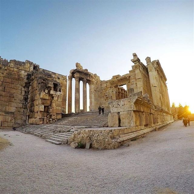Good morning Baalbeck 🌅🏛 by @kabrianos  Baalbeck Temples Castle Proud... (Temple of Bacchus)